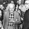Antoni Gutierrez Diaz (PSUC), Gregorio López Raimundo (PSUC) i l'alcalde de Barcelona, Josep Mª Socias Humbert. Nit electoral de les primeres eleccions generals democràtiques. 15 de juny de 1977. Al fons a l'esquerra es pot veure a Montserrat Nebot.